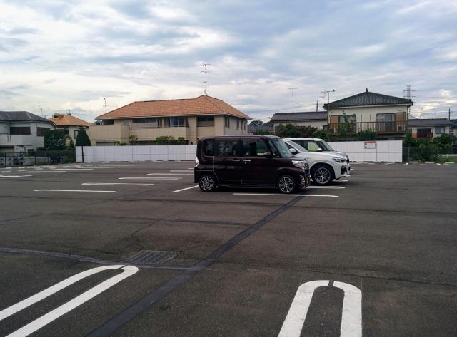 スシロー昭島店の駐車場