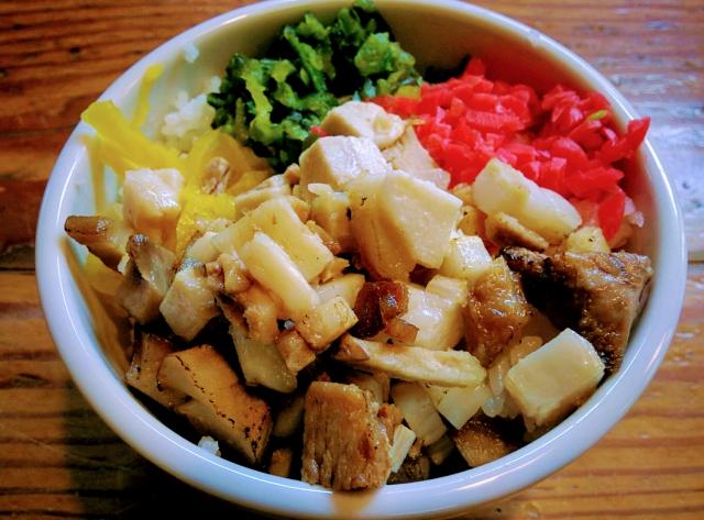 煮干しラーメン「しんらぎ。」の昼メニューご飯バイキング